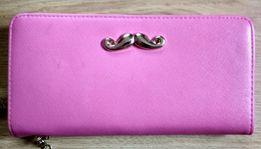 8124525a876c5 Portfel wąsik moustache RÓŻOWY kopertówka NOWY