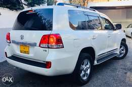 Toyota Land Cruiser vx just arrived 2010 loaded sunroof 6,599,999/=ono