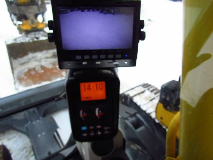 New Holland Myyty! Sold! E235bsrlc Proboengcon - 2010 - image 15