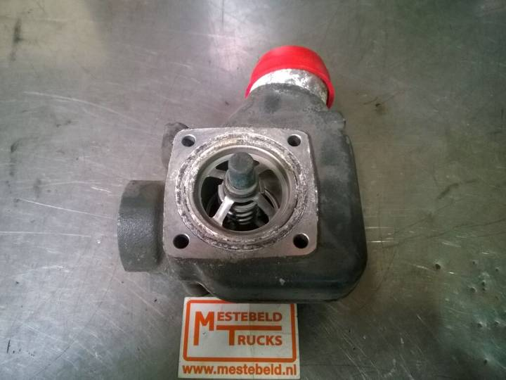 DAF XE 315 C1 Thermostaathuis other cooling system spare part - 2004