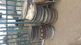 20 inch truck tubeless steel rims for sale.