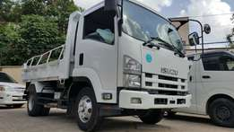 Isuzu forward FRR TIPPER TRUCK 2010