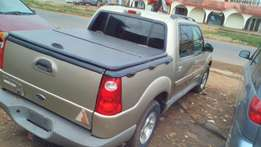 Super clean ford explorer pick up 2002 model