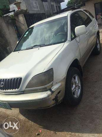 Lexus RX300 first body, clean and just like tokunbo engine Ikeja - image 3
