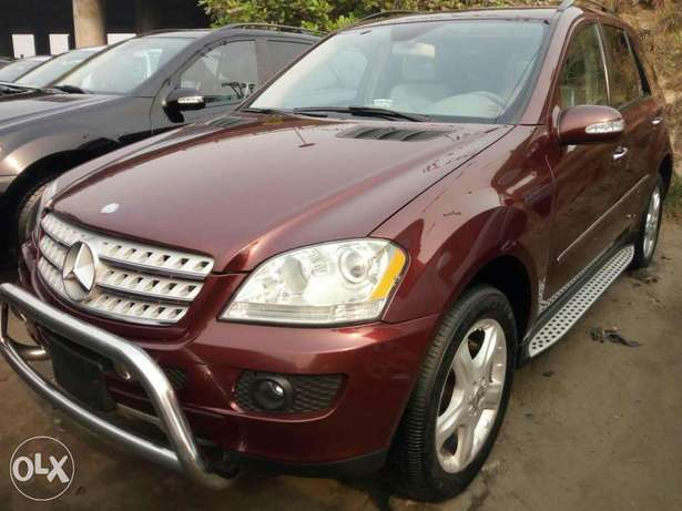 Foreign used 2007 Mercedes Benz Ml350 4matic. Direct tokunbo Lagos Mainland - image 2