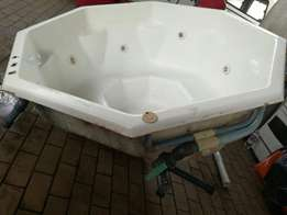 6 seater jacuzzi tub for sale