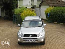 Grab this unit 4x4 Toyota rav4 great condition