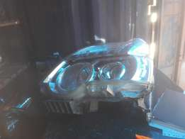 Good condition Genuine clean xtrail 2010 LHS headlight for sale