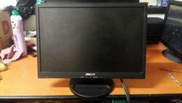 "19"" Mecer Lcd screens"