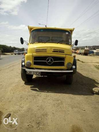 Mercedes benz tipper lorry in great working condition Lavington - image 1