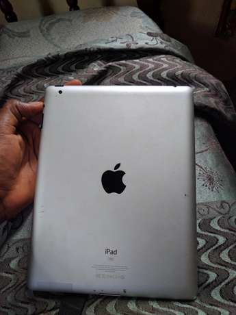 Apple iPad 2 16gb wifi only North Kaneshie - image 2