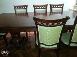 8 seater Dining Room table for sale! High quality wood,great condition