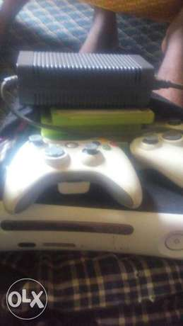 Xbox 360 for sale or swap with all accessories Apapa - image 5