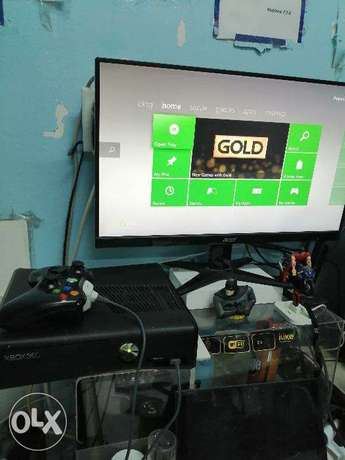 Xbox 360 Flush modded Slim 250 gb free 21 games cds القطيف -  1