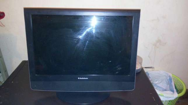 Television for sale Parklands - image 2