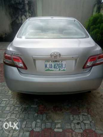 Super sharp 1st body neatly used red 2010 Toyota Camry Ipaja - image 1