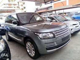 Range Rover Vogue SE. (Executive)