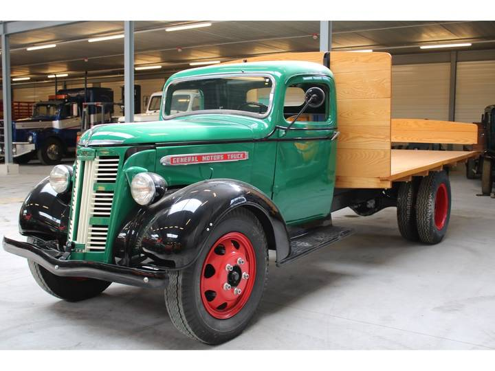 GMC 1947 FLATBED - 1947