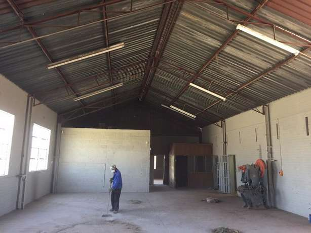 Warehouse / Factory To Let Bloemfontein Hamilton - image 2