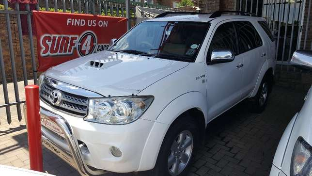 2010 Toyota Fortuner 3.0D-4D Auto Wonderboom South - image 1