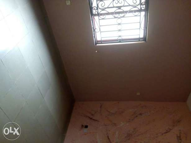 Clean 2bedroom flat Lekki - image 7