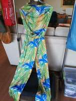 Jump suit in satin size 32