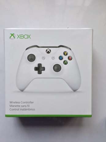 Xbox One Wireless Controller w/ Bluetooth and 3.5mm Jack Surulere - image 1