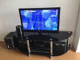 """32""""(81cm)HD LED Lcd TV + tv stand + home theater system (Panasonic)"""
