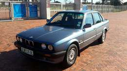 BMW 318 spotless clean all papers done