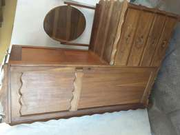 4 draw dresser with cupboard (ball and claw) good condition