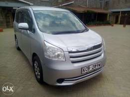 NOAH,4wheel(owned by company)mileage 78,000kms