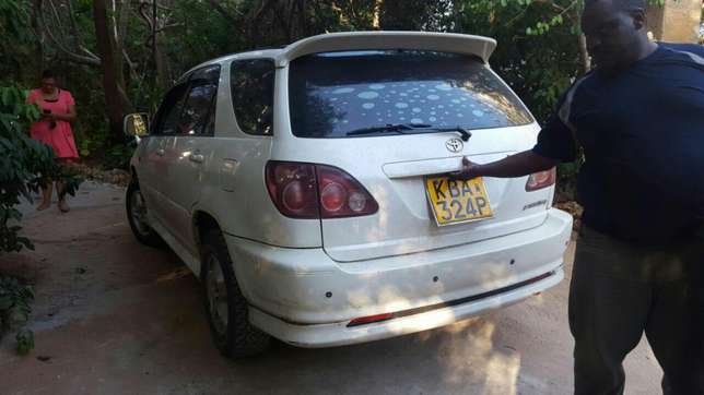 Clean and Well Maintained Harrier Old Shape 2200cc Mombasa Island - image 3