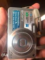 Sony digital camera 14.1 MP..clean and neat