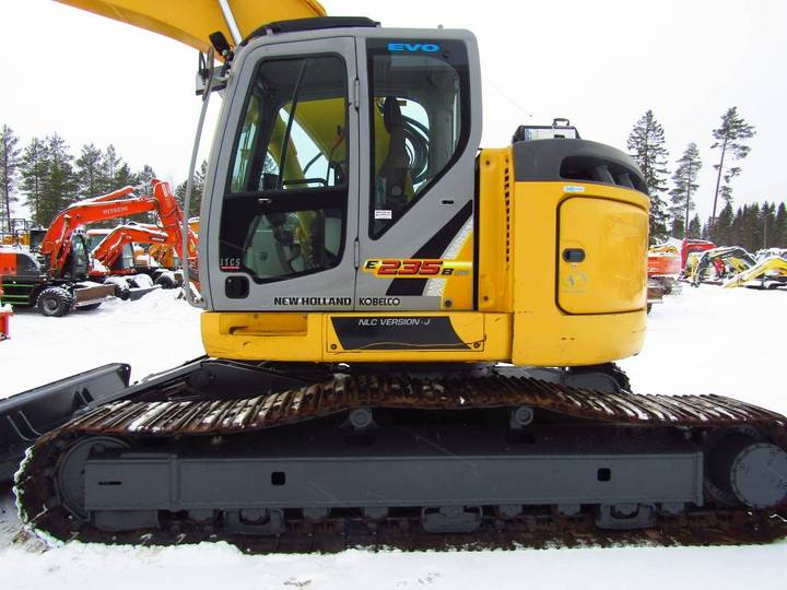New Holland Myyty! Sold! E235bsrlc Proboengcon - 2010 - image 2