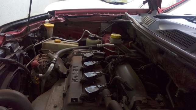 Nissan extrail quick sale very clean in mint condition Nairobi CBD - image 5