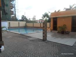 Executive 3 bedroom fully furnished apartment for short/long term let