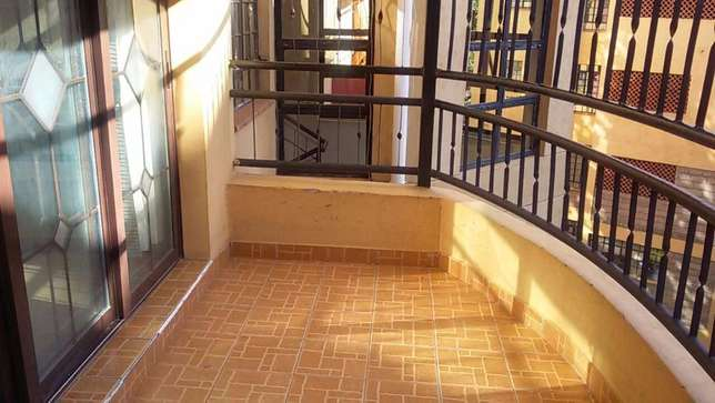 Nice bright 3 Bed +3 bath Apartment with spacious DSQ, 2 parking slots Kileleshwa - image 3