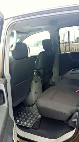 EXCELLENTLY Neat, First Body, Factory Fitted Chilling Ac Nissan Armada Onitsha North - image 6