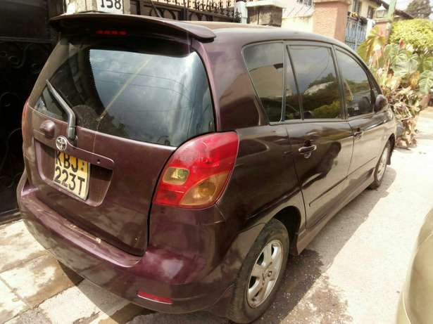 Toyota Spacio, 1500cc, fully loaded. Very fuel efficient, well kept Nairobi CBD - image 4