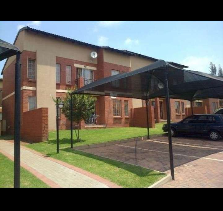 Places Available For Rent: 2 Bedroom To Share Now Available