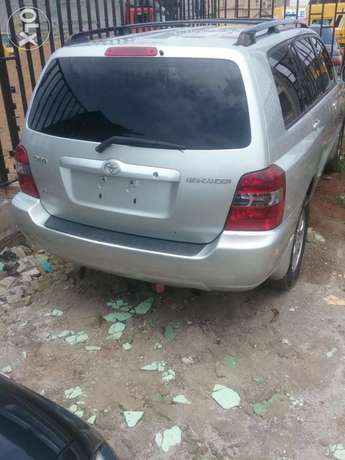 Clean 2005 tokunbo highlander. 3row Lagos Mainland - image 1