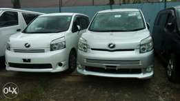 OFFER Toyota voxy new shape