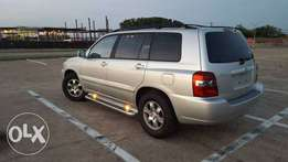 2004 Highlander 3 rows seats