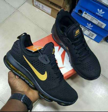 Nike Air max black Lagos - image 1