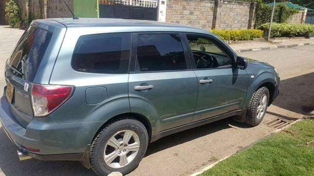 Very clean 2009 Subaru Forester on quick sell Nairobi CBD - image 4