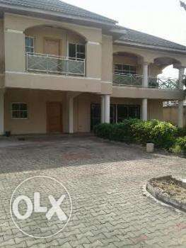 What can you do with half a plot of Land? 300sqm, 350sqm Lagos - image 4