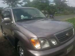 Perfectly used lexus lx470 01 buy n travel tincan cleared