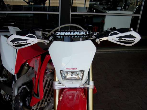2015 HONDA CRF 250X for sale for only R59 900! As new never been raced Pretoria - image 6