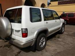 Toks 2002 Isuzu trooper Automatic