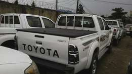 Used 2013 Toyota hilux booth new.